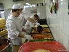 Dijaki pečejo pizze